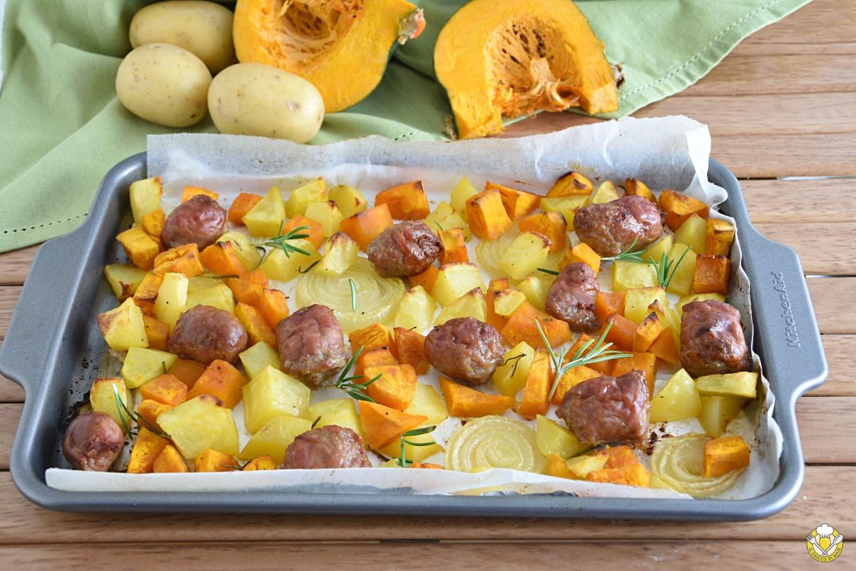 zucca salsiccia e patate al forno ricetta secondo economico autunnale facile e veloce il chicco di mais