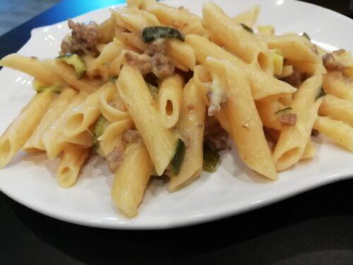 Pennette alle zucchine, carne macinata e parmigiano