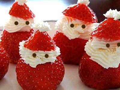 Babbo Natale con fragole e panna