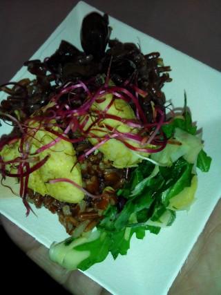 Carpaccio di asparagi con pollo e riso rosso
