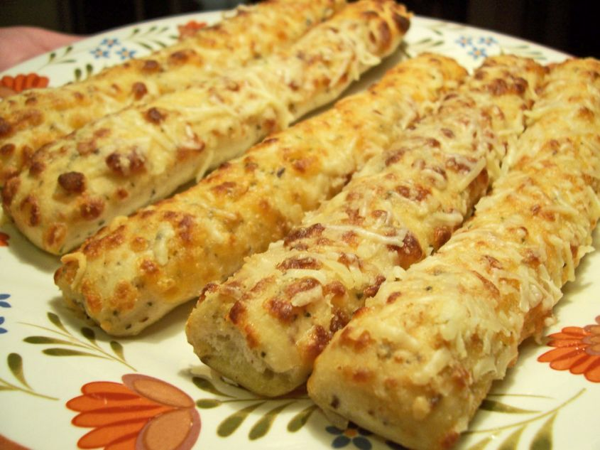 grissini-con-formaggio-e-cipolle