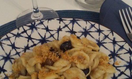 Orecchiette in salsa di acciughe e olive taggiasche