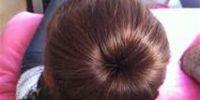 Come fare uno chignon facile per capelli lunghi.