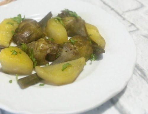 Carciofi in padella con patate