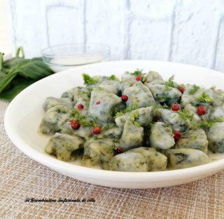 Gnocchetti verdi in salsa di besciamella