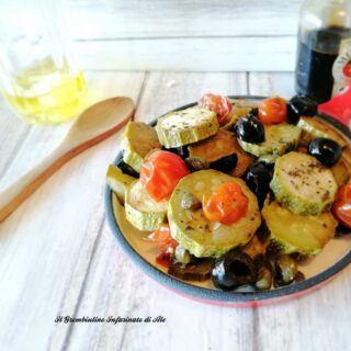 Zucchine ai capperi, olive e pomodorini