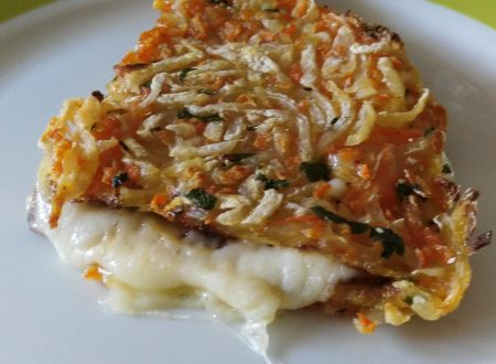 Trancetti di patate e carote farciti alla mozzarella.