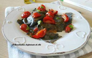 Ravioli al carbone vegetale, zucca e parmigiano
