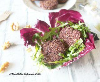 Hamburger di quinoa con noci e radicchio rosso