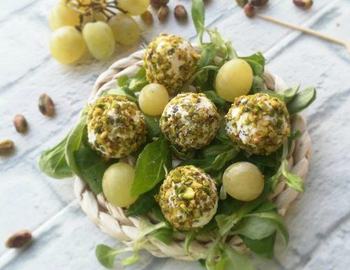 Chicchi di uva in granella di pistacchi