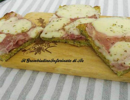 Pizza di zucchine con cotto e provola