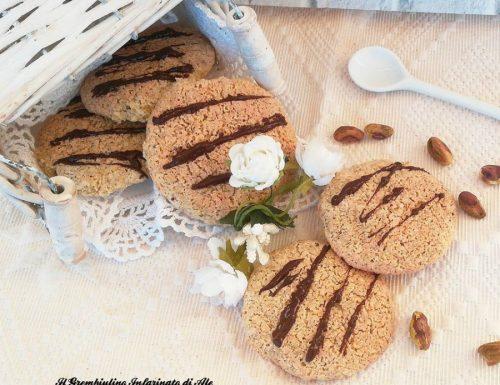 Biscotti ai fiocchi di avena e pistacchi