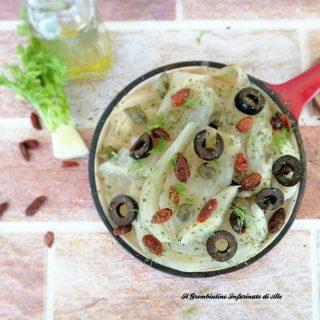 Finocchi con olive nere e bacche di goji