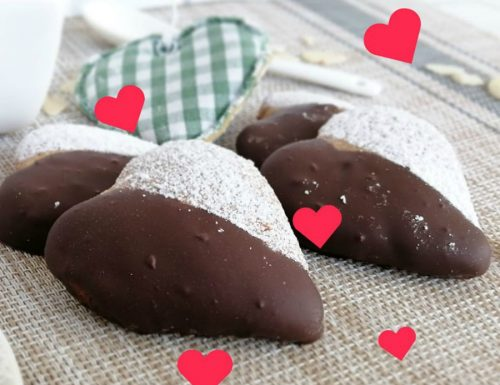 Biscotti cuoricini al latte di mandorla e caffè