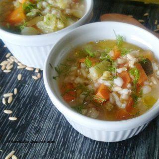Zuppa di avena e verdure