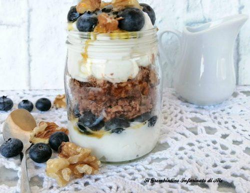Porridge al cacao con yogurt greco