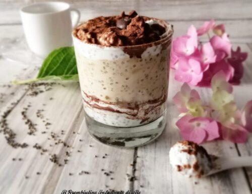 Chia pudding al cocco e yogurt greco