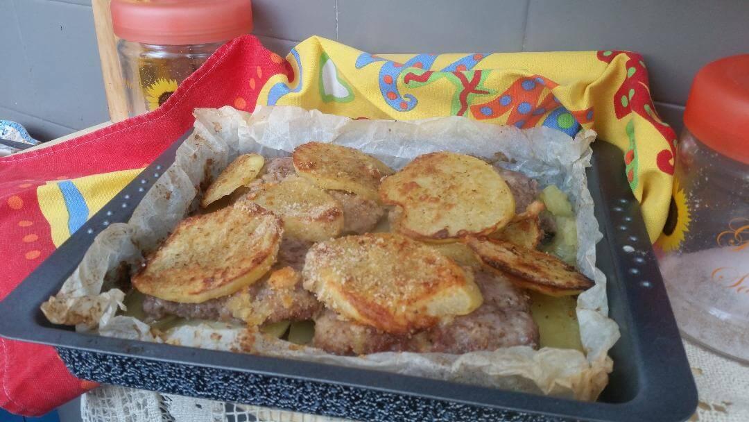 Salsiccia-al-forno-con-patata