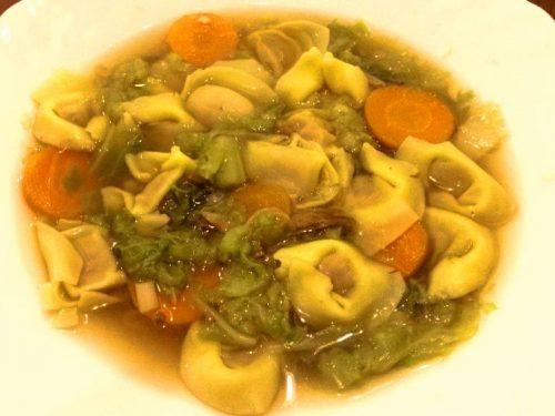 Zuppa alla cinese con tortellini