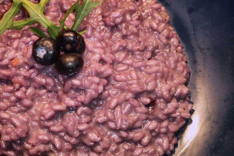 Risotto al frutto del mirtillo e formaggio Gorgonzola