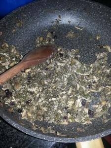 Preparazione pasta finocchietti e sarde