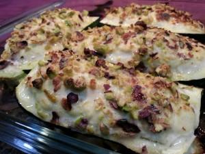 Barchette di zucchine con pistacchi e pollo