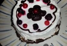 Torta yogurt e frutti di bosco