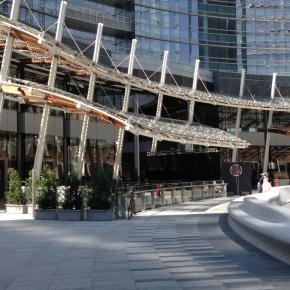 Piazza Gae Aulenti. Milano si veste di EXPO
