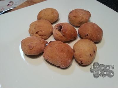 Biscotti con gocce al cioccolato di lievito madre