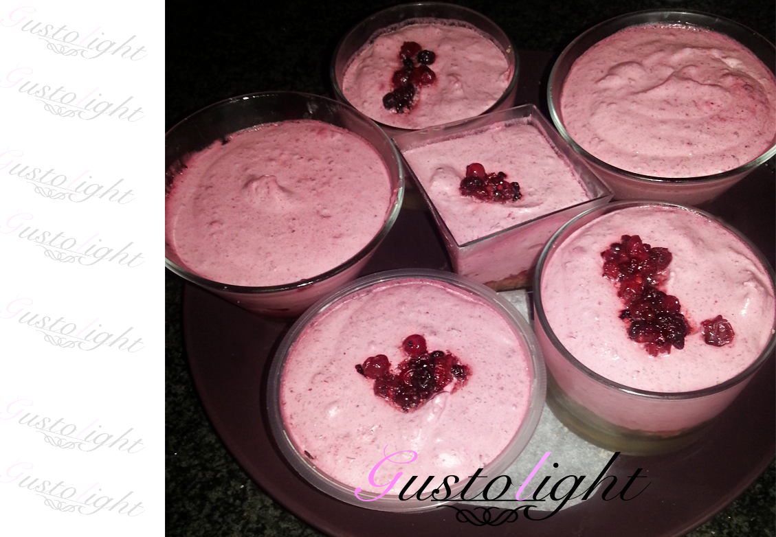 coppa yogurt greco e frutti di bosco