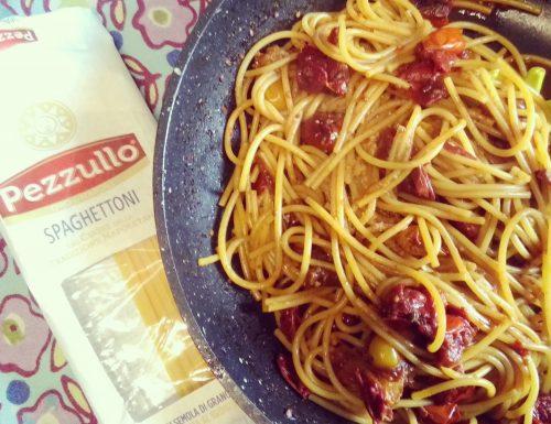 Spaghetti ai pomodorini scoppiati