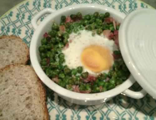 Cocotte di uova e piselli