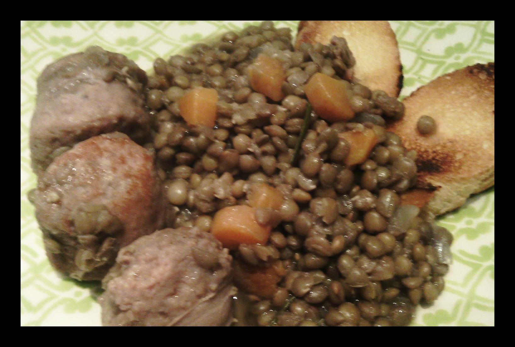 Lenticchie e salsiccia stufate