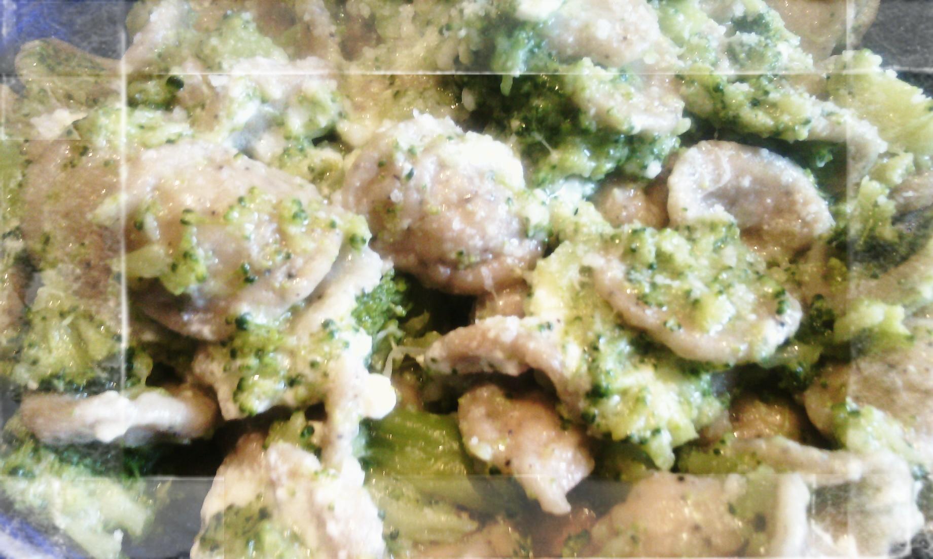 Orecchiette di grano arso ai broccoletti e fondutina