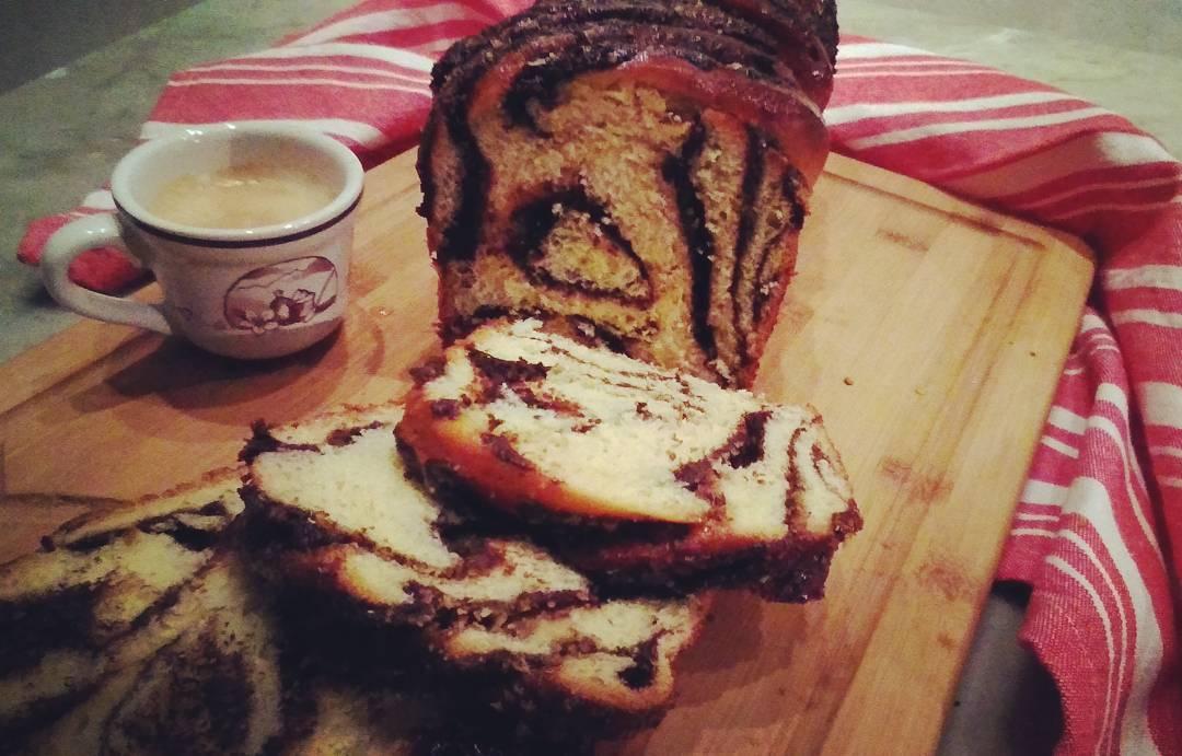 Babka al cioccolato fondente,pistacchi e profumo di anice_o