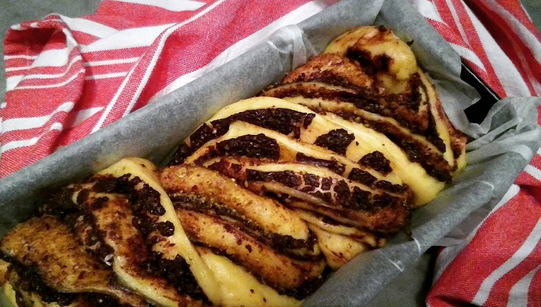 Babka al cioccolato fondente,pistacchi con profumo di anice_o