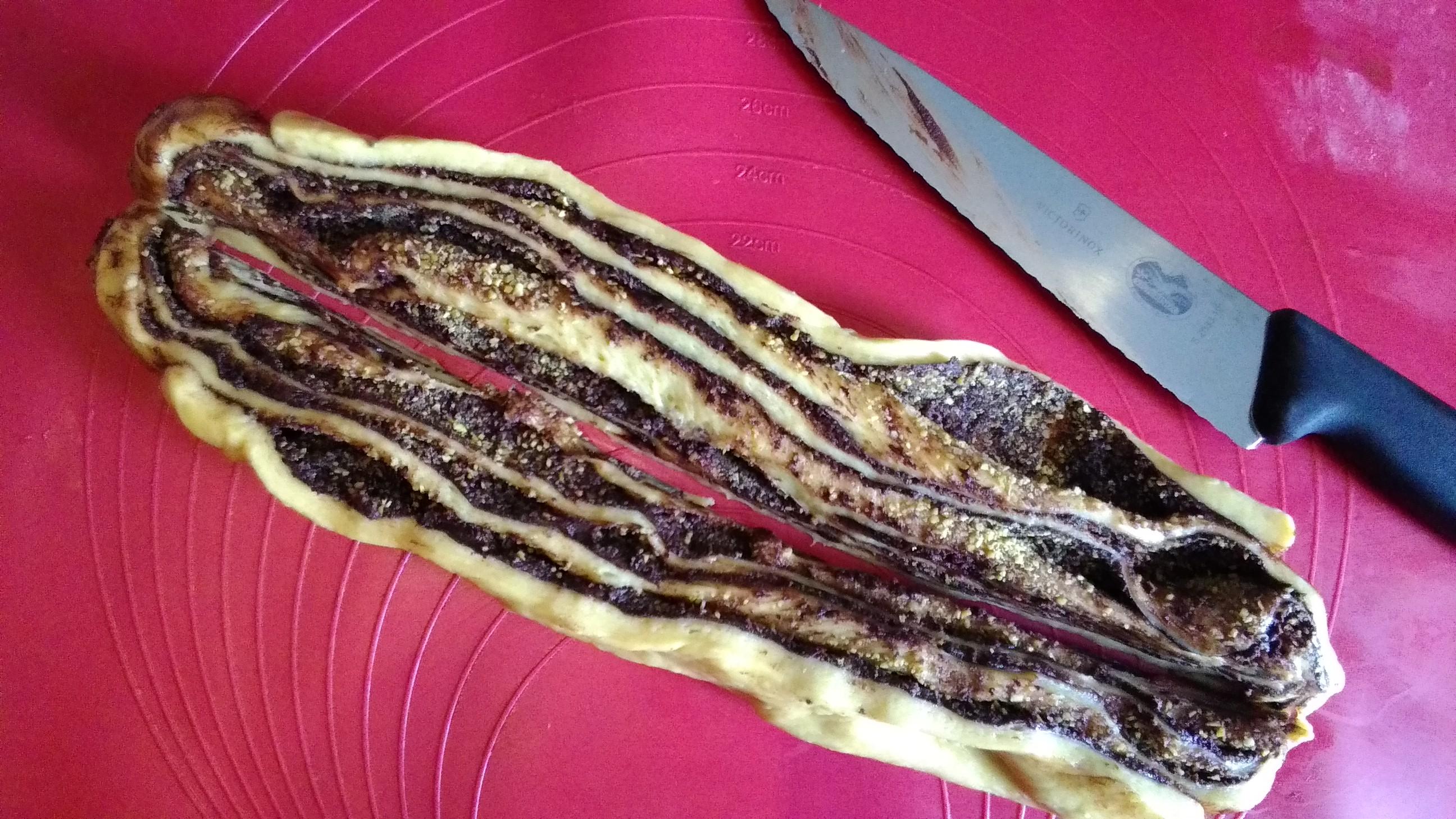 Babka al cioccolato fondente,pistacchi e anice
