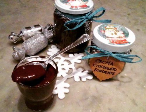 Crema al cioccolato fondente spalmabile