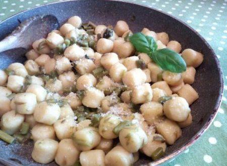 Gnocchi con asparagina e erbe profumate