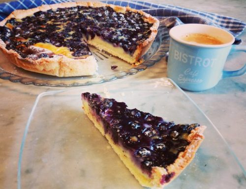 Crostata clafoutis ai mirtilli