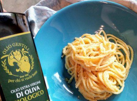 Spaghetti al pesto di mandorle e limone