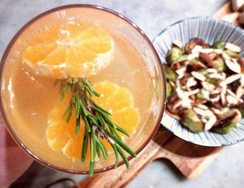 Cocktail alla clementina e rosmarino