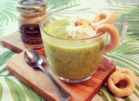 Cappuccino di zucchine con crema di formaggio e tartufo