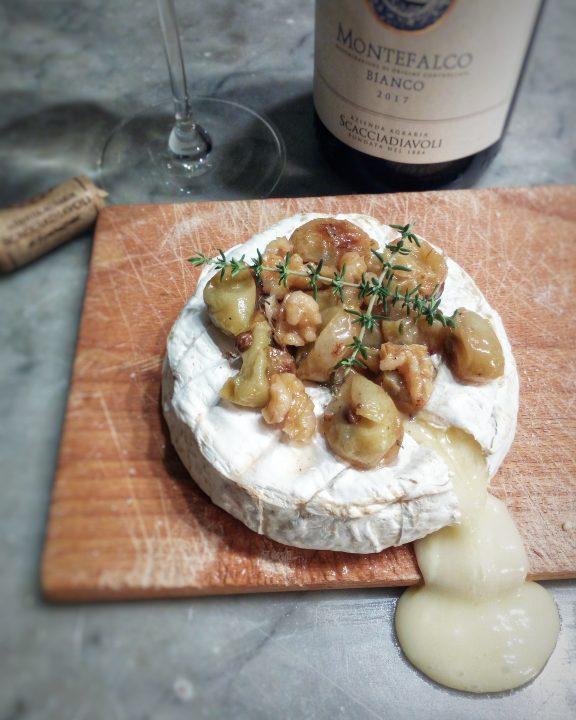 camembert fondente all'uva