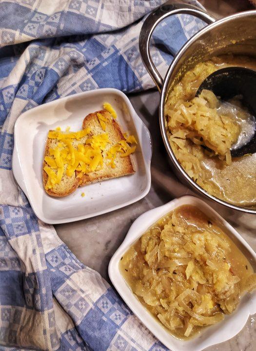Zuppa di cipolla e mela alla birra