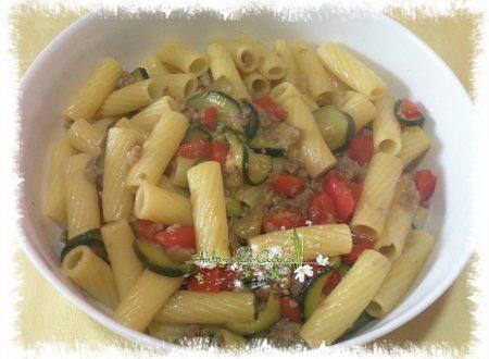 Pasta alle verdure con salamella…