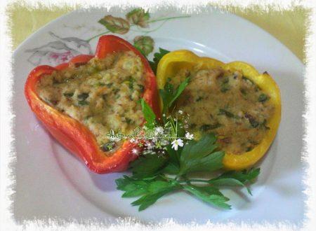 Peperoni al forno, ripieni di tonno e fiori di zucca…