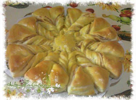 Fiore di pan brioche salato, sfogliato…