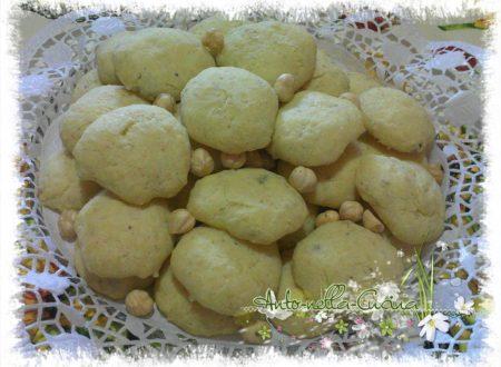 Biscotti gorgonzola e nocciole…