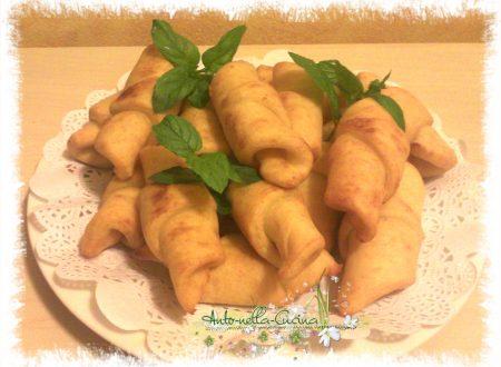 Cornetti di patate, ripieni…